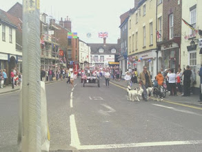 Photo: The parade approaches the main junction after it's walk through the town from QEGs.