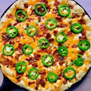 Keto Skillet Jalapeno Popper Pizza.