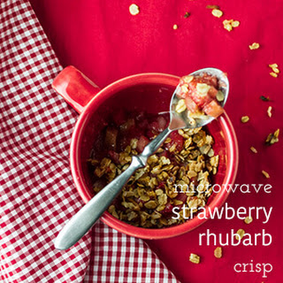 Easy Strawberry Rhubarb Crisp.