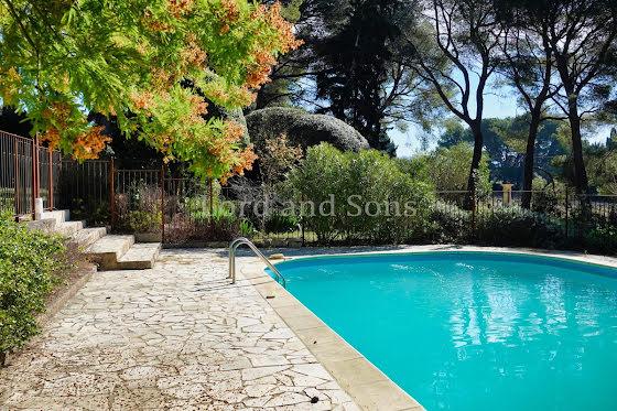 Vente villa 8 pièces 247,5 m2