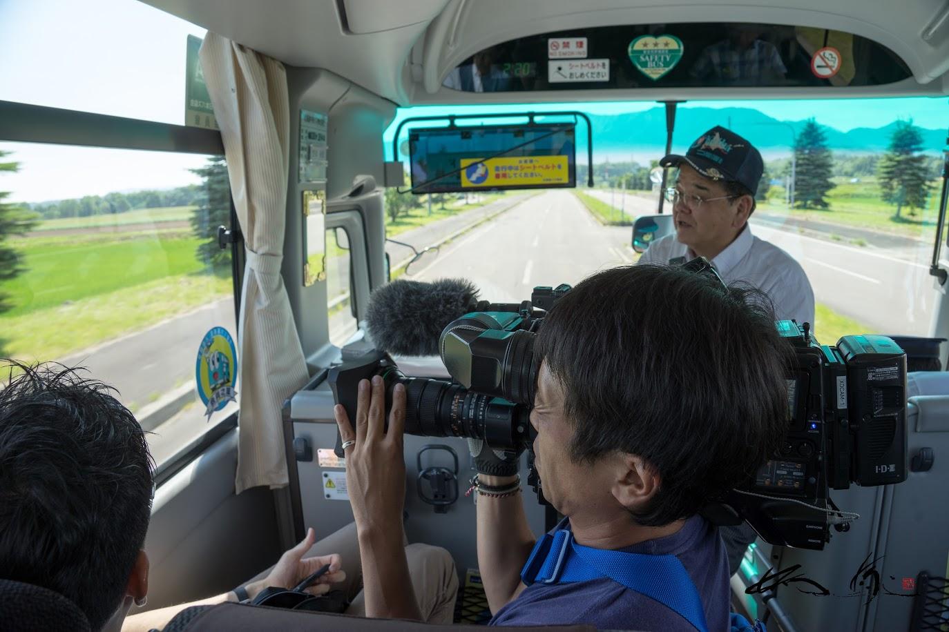 バスの中での撮影
