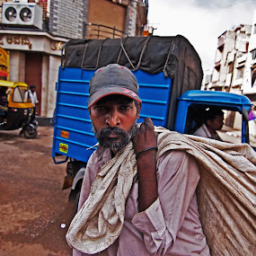 Inquiry by Rajarshi Chowdhury - People Portraits of Men ( bangalore, face, inquiry, stare, india, inquisitive, portrait )