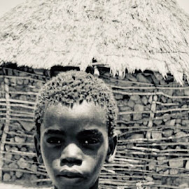 Africa: there is still hope by Maria Fernandes - Babies & Children Child Portraits