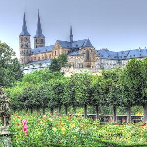 Bamberg Cathedral garden_2723_tonemapped.jpg