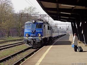 """Photo: EU07-358, TLK """"Stoczniowiec"""" Gdynia Główna - Kraków Płaszów {Toruń Główny; 2014-04-05}"""