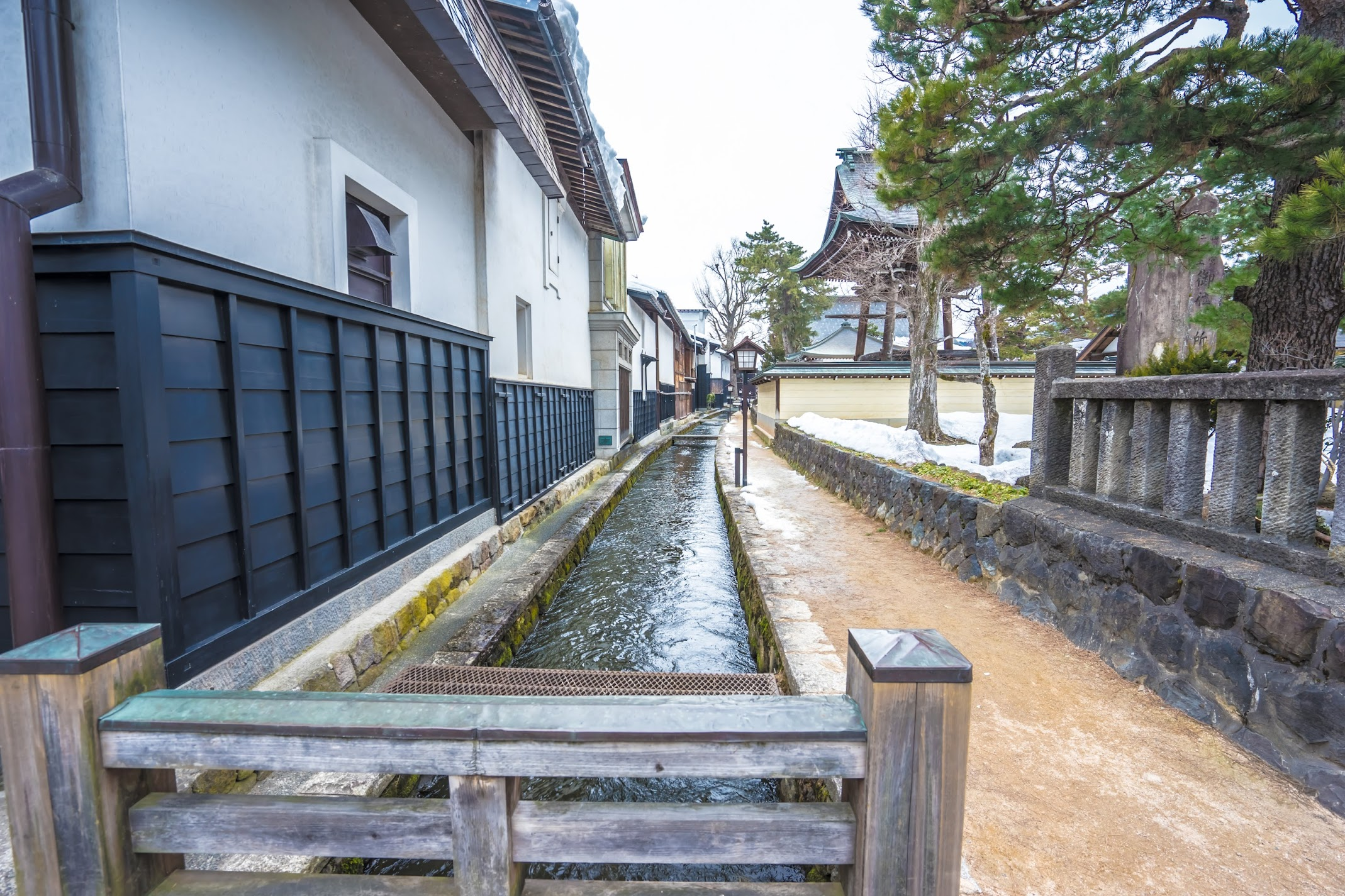 Hida Furukawa White Walled Storehouse Street3
