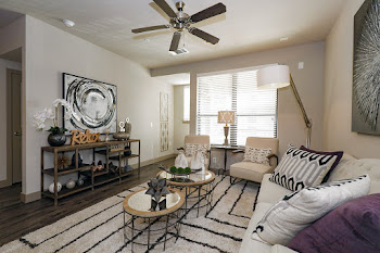 Go to The Rodeo Drive Floorplan page.