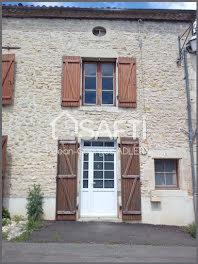 maison à Joussé (86)