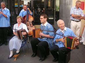 Photo: und das Oergelitrio mit Vreni Mangold, Stefan Mosimann, HansJörg Müller und Paul Mangold am Bass