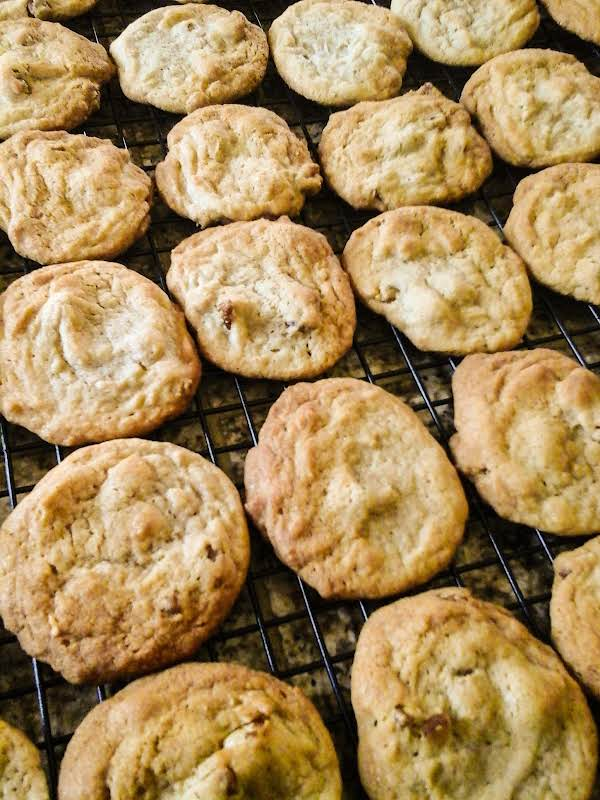 You'l Have To Keep A Watch Out For Cookie Snatchers When These Come Out Of The Oven. The Aroma Will Bring Them Out Of The Woodwork.