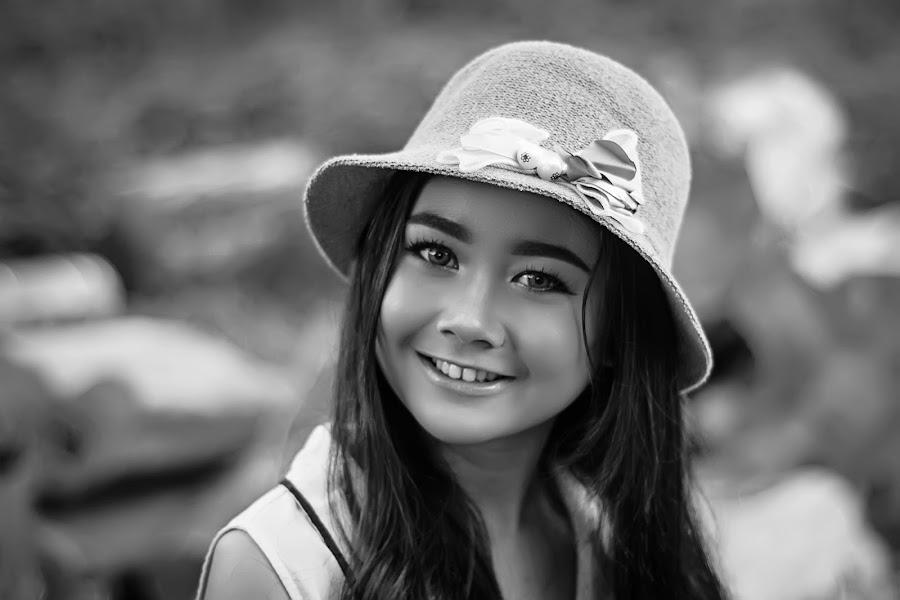 amel by Kawan Santoso - Black & White Portraits & People