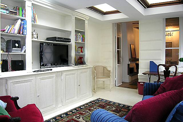 Living room at Saint Germain apartment