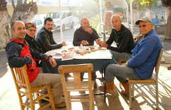 Photo: Çile Köy Kahvehanesi EFES-MİMAS (İYON) YOLU 4. Etabı - ALTARNATİF ROTA - 29.11.2015  (ÇİLE-AHMETBEYLİ-CLAROS Arası)