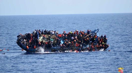 Las mafias transportan a inmigrantes en 'pateras taxi' desde Argelia