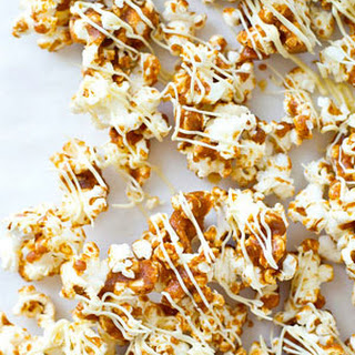 Gingerbread White Chocolate Caramel Popcorn
