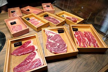 本格和牛燒肉放題 高雄楠梓店