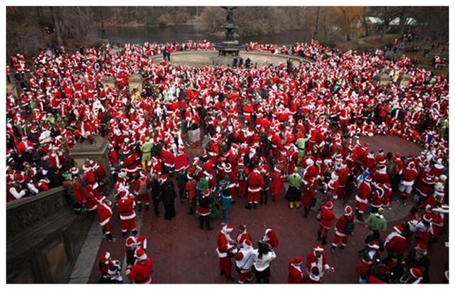 兒童不宜的聖誕老公公大遊行 SantaCon NYC