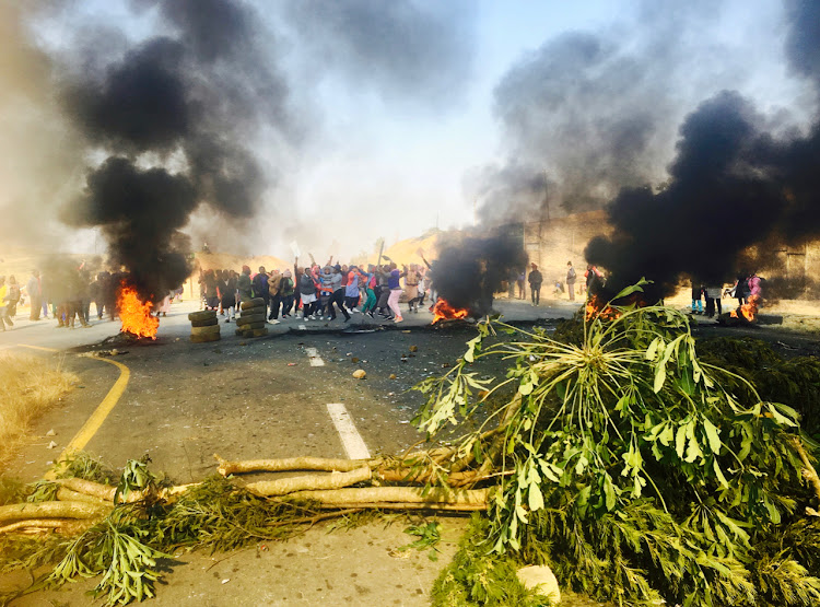 Police used rubber bullets, stun grenades and teargas to disperse a protest by about 1,500 residents from Ncwadi, near Pietermaritzburg, on Monday.