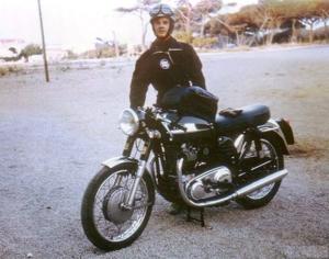 Moto de JF Balde restaurée par Machines et moteurs, le spécialiste de la restauration de motos anglaise classiques