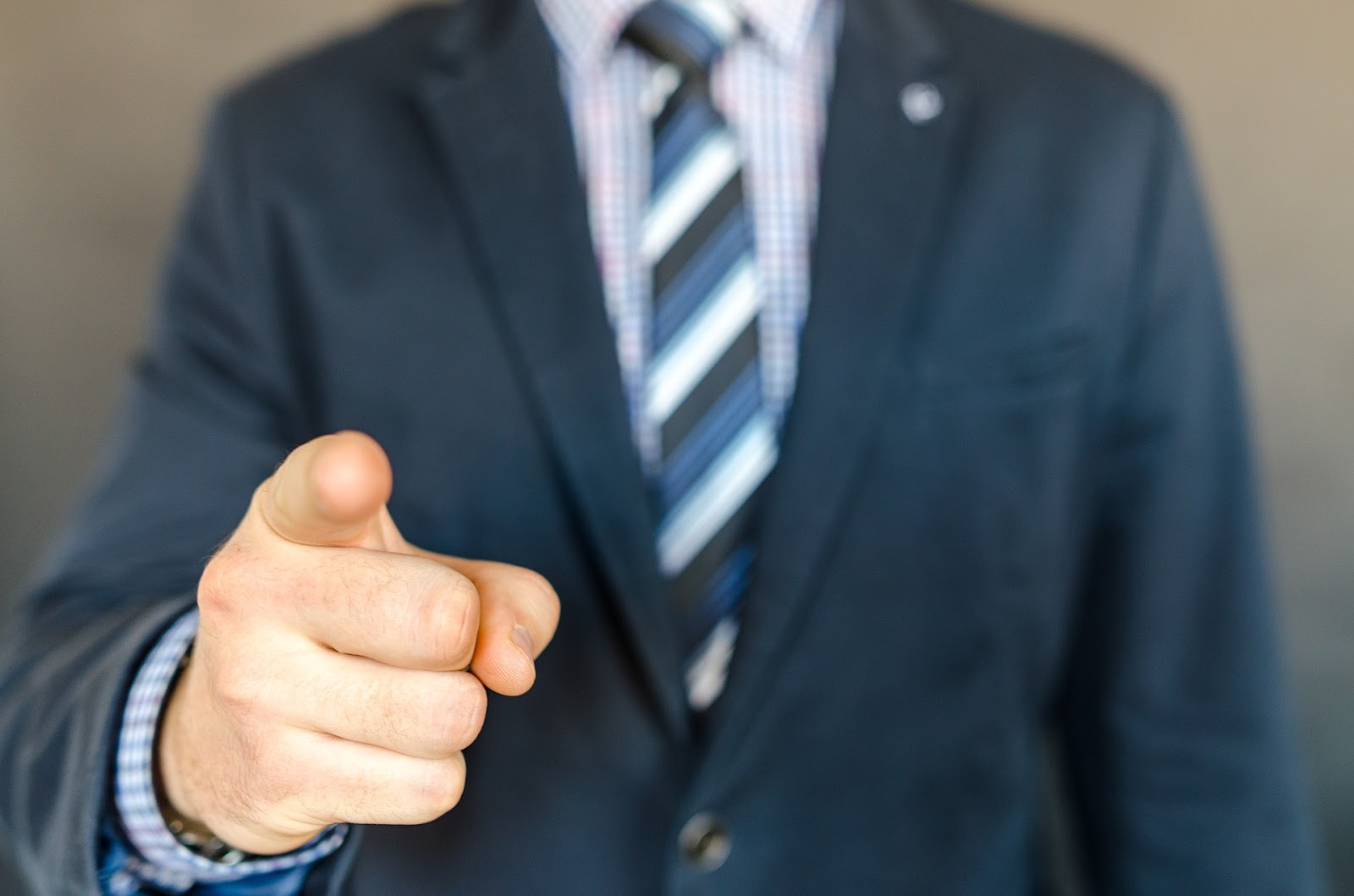 7 Fashion Tips and Styles for Hardworking Real Estate Agents