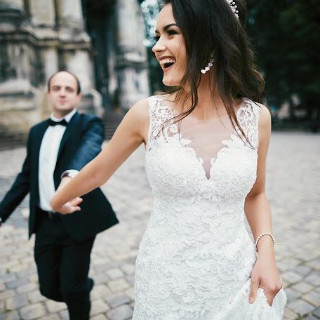 Wedding photographer Nazar Roschuk (nazarroshchuk). Photo of 26.12.2017