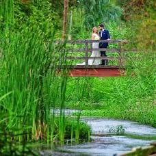Wedding photographer Kostas Sinis (sinis). Photo of 19.04.2018