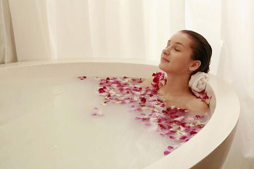 phòng tắm hơi làm tăng nhiệt độ cốt lõi của mẹ bầu