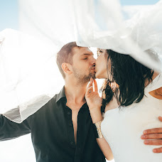 Wedding photographer Oleg Pukh (OlegPuh). Photo of 01.10.2017