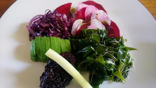 Apprenez à cuisiner les algues et les crudités.