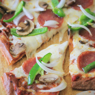 Low-carb Gluten-free All-dressed Pizza