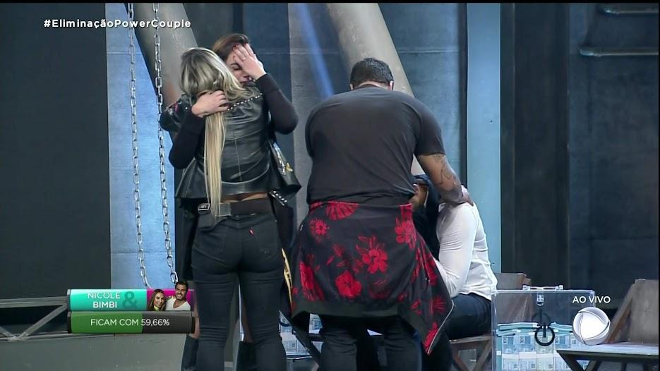 Nicole chora a saída da amiga Taty no Power Couple Brasil