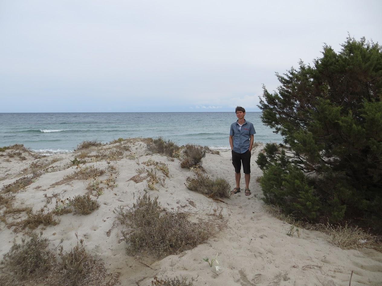 Я на фоне моря.