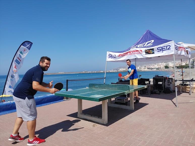 Fran García y Néstor Cánovas han aprovechado las instalaciones del paseo marítimo de Adra