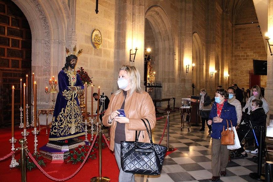 Veneración de la ciudad al Señor Cautivo de Medinaceli.