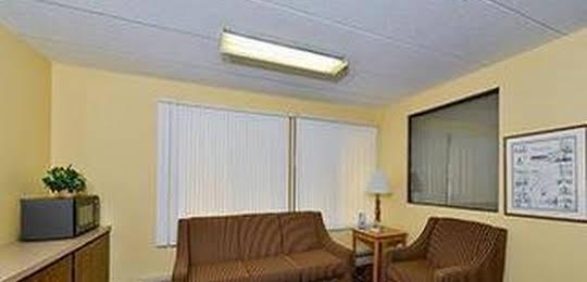Super 8 Motel - Owatonna