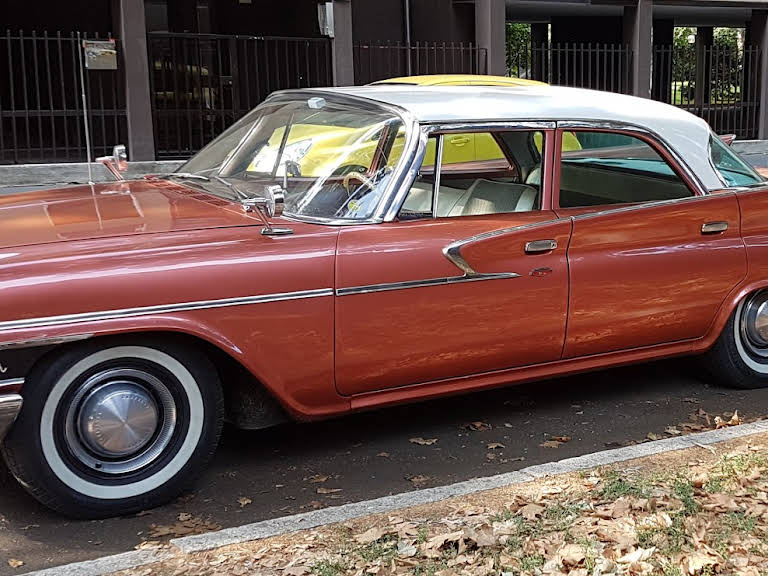 Chrysler Newport Hire Milano