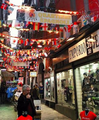 Shopping nel cuore di Napoli di masaria24