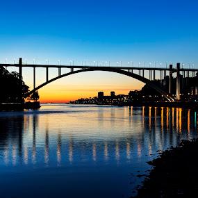Arrabida's Bridge by Júlio Alves - Buildings & Architecture Bridges & Suspended Structures ( sunset, oporto, portugal, dusk, crepúsculo, douro, porto, night, lights )