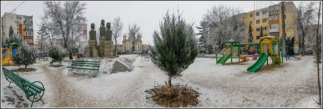 """Photo: Parcul din Mr.3 - Grupul statuar """"Horea, Cloșca și Crișan"""" - 2017.01.25"""