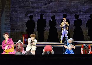 Photo: Wien/ Volksoper: ALBERT HERRING. Inszenierung Brigitte Fassbaender, Premiere 15.2.2014. Sebastian Kohlhepp und Ensemble. Foto: Barbara Zeininger