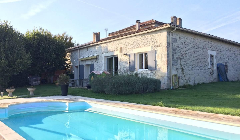 Maison avec piscine Chadurie
