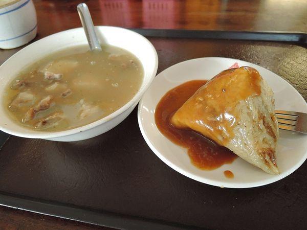 郭家肉粽.碗粿,鹽埕知名粽子老店。