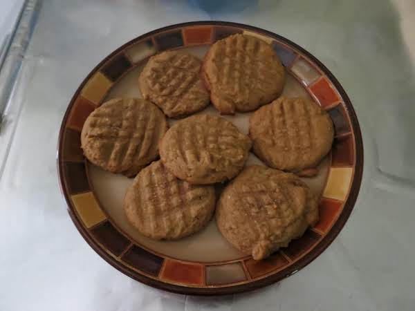 Irresistible Peanut Butter Cookies Recipe