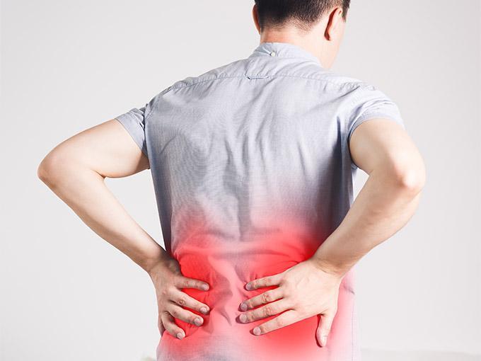 Die Symptome einer Nierenschädigung beginnen schleichend.
