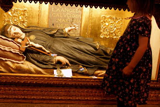 Photo: Santa Marianita de Jesus (1618-1645), the first Ecuadorian Saint, interceded greatly for her people. She was a great inspiration for Saint Narcisa.