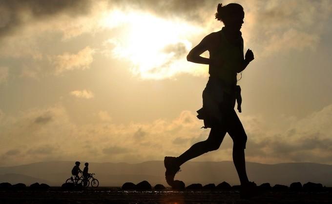 Estos kilómetros debes correr para bajar un kilo de peso