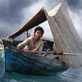 Sampan Kajang * by Oji Blackwhite - Transportation Boats