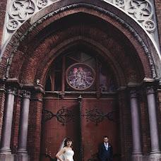Wedding photographer Yuriy Schezhin (Fotohappy). Photo of 26.11.2012