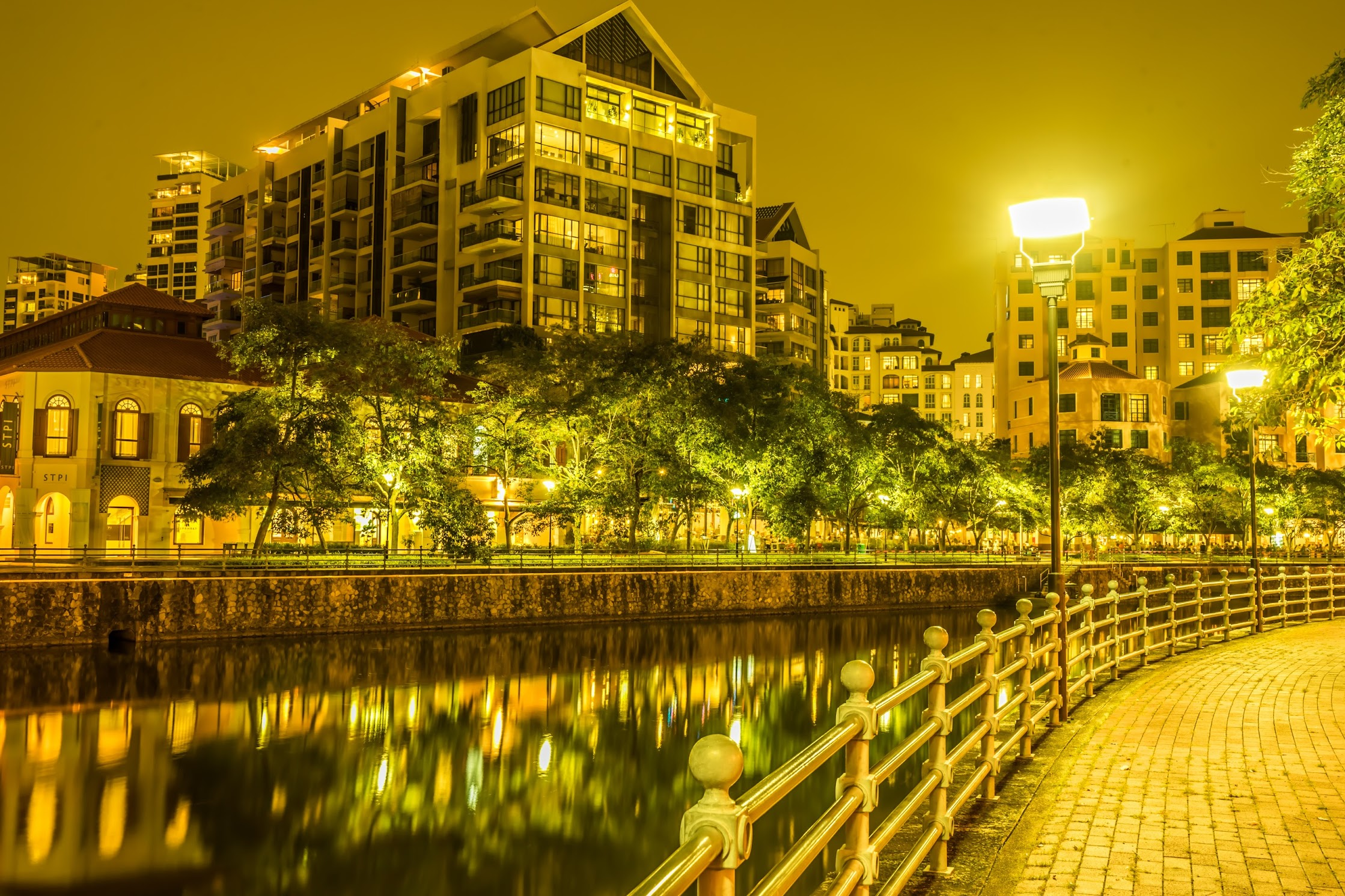 Singapore Robertson Quay night view2