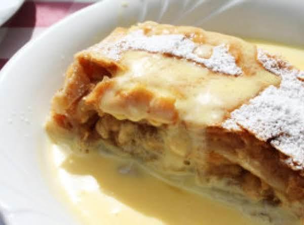 Apfelstrudel In Milch Gebacken (apple Strudel Baked In Milk)